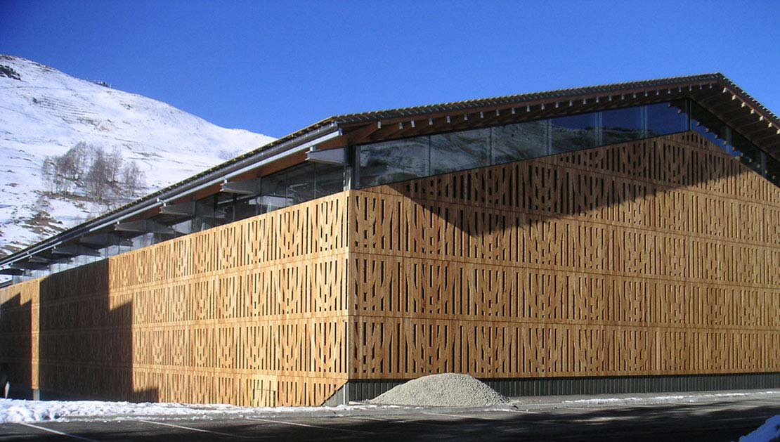Cultural sports and congress centre at les 2 alpes for Alpes archi