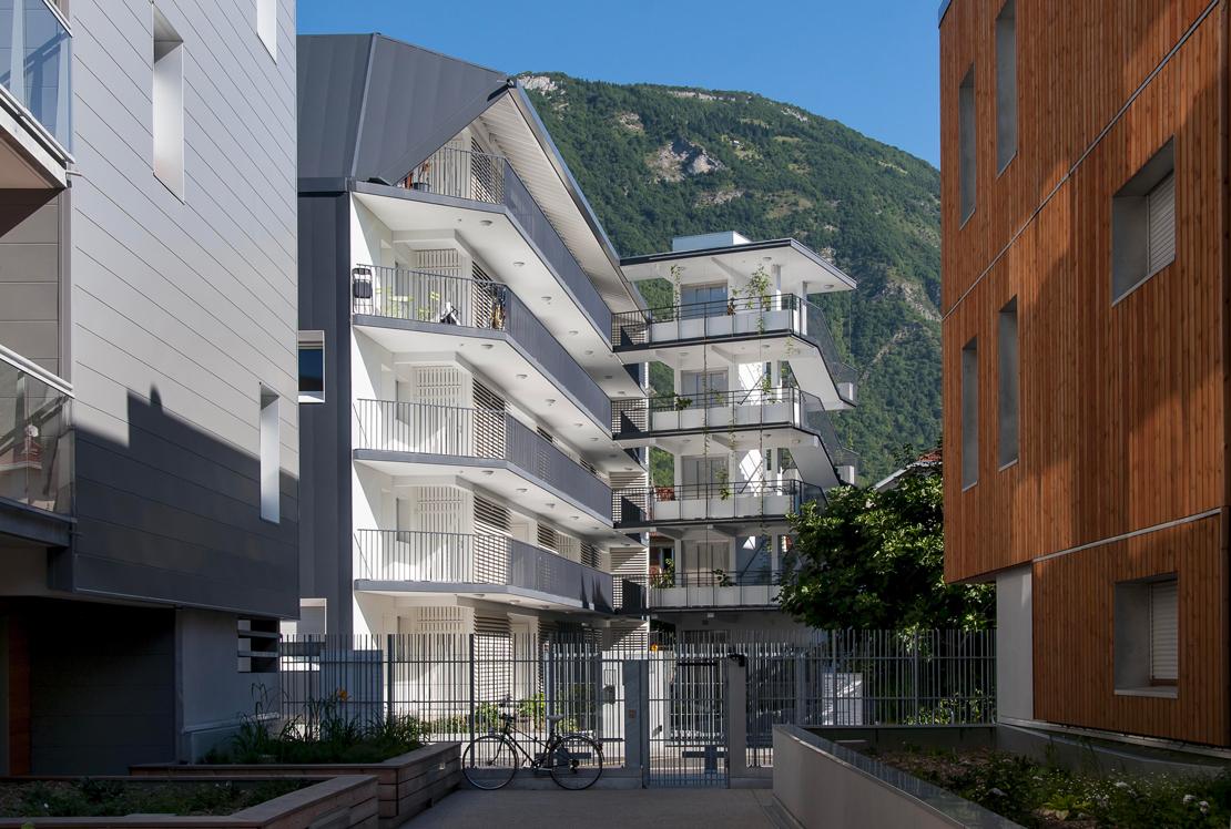 l immeuble de logements zac blanche monier 24 appartements h rault arnod architectures. Black Bedroom Furniture Sets. Home Design Ideas